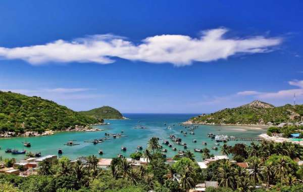 Travel guide Vinh Hy, Ninh Thuan from A to Z